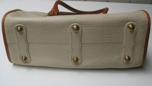 dooney_and_bourke_white_leather_purse_5