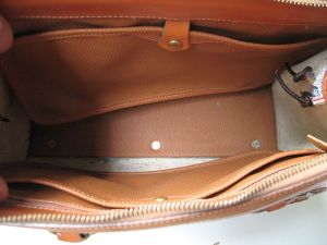 dooney_and_bourke_white_leather_purse_6
