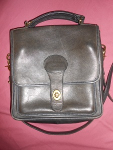 Did Dooney & Bourke ever make a leather purse like the Coach Station bag??
